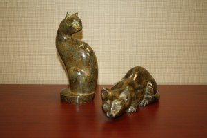 G: Tall / Pouncing Cat Urn